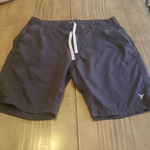 OLD NAVY BOYS ACTIVE PERFORMANCE   SOCKS SIZES SMALL MEDIUM AND LARGE   NWT